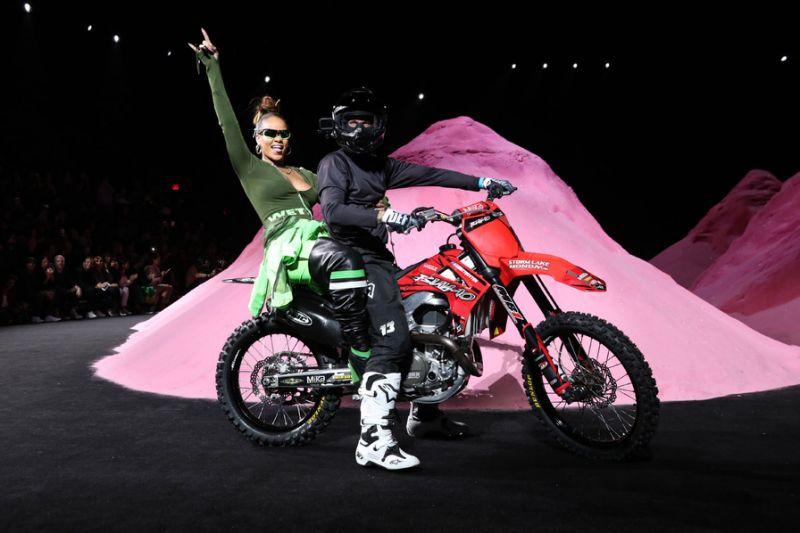 moto style fashion rihanna