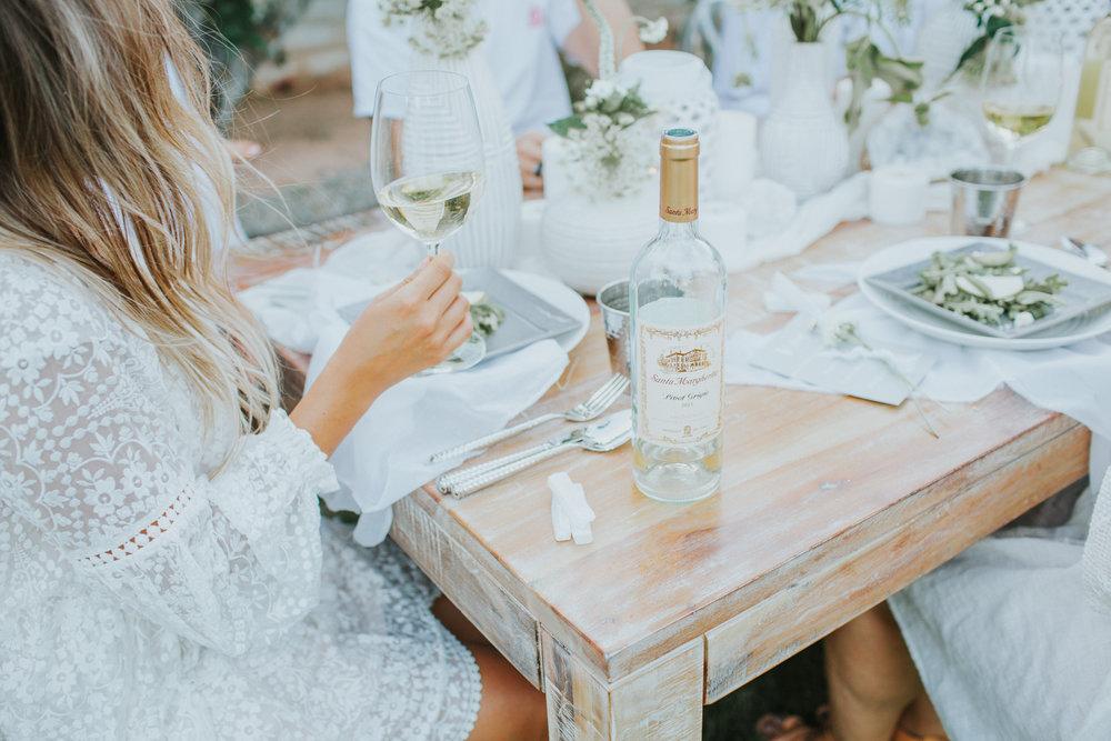WHITE WINE PINOT GRIS VS SAUVIGNON BLANC