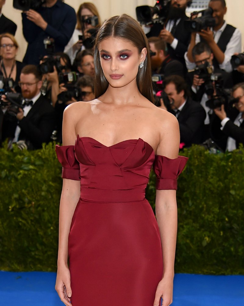 taylor-hill-met-gala-dress-2017-feat