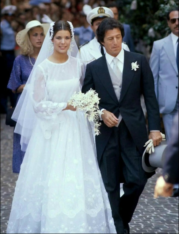 royal weddings princess caroline monaco 2