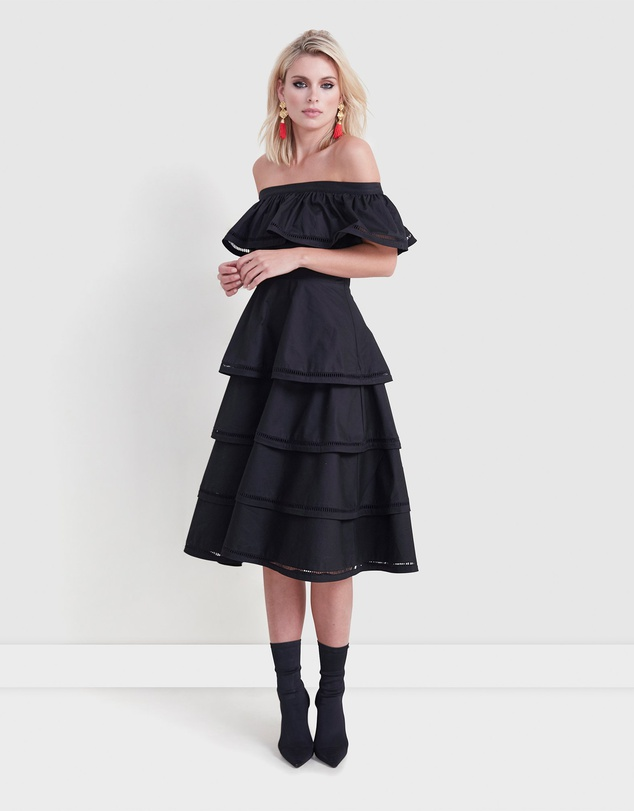 what to wear to a summer wedding bold black