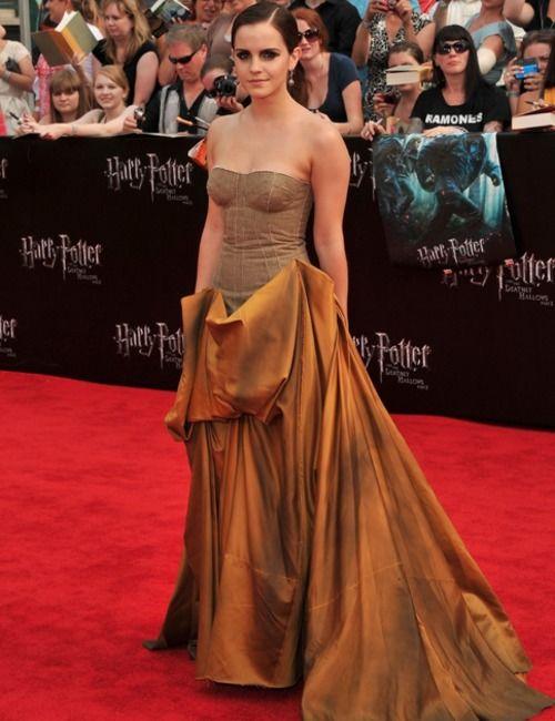 56d78ec9d46 Emma Watson In Bottega Veneta Fall 2011 For The Harry Potter NY Premiere
