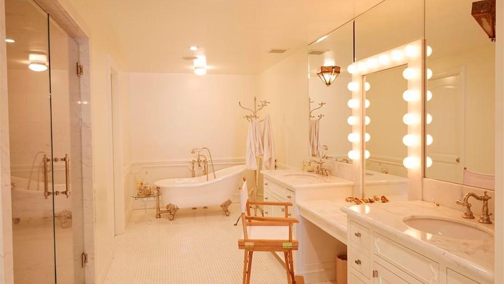 lauren conrad beverly hills home - bathroom