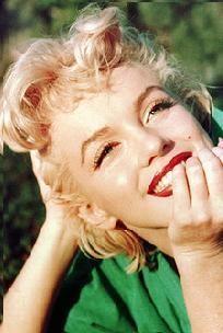1955-Marilyn-Monroe-grass_610_large