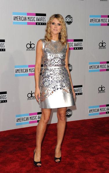 2011+American+Music+Awards+Arrivals+8u1TwaGiHUSl