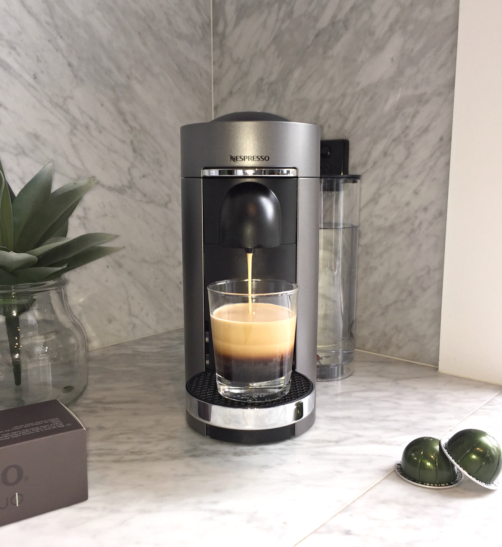 nespresso vertuo review here s something for big coffee lovers. Black Bedroom Furniture Sets. Home Design Ideas