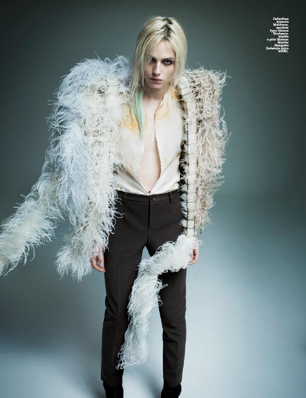 Andrej-Pejic-by-Marcin-Tyszka-for-Viva-Moda-DesignSceneNet-05