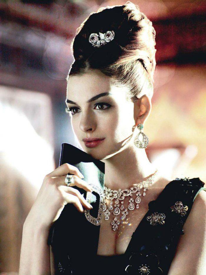 Anne Hathaway channeling Audrey Hepburn in beautiful diamond jewellery! Image: Pinterest