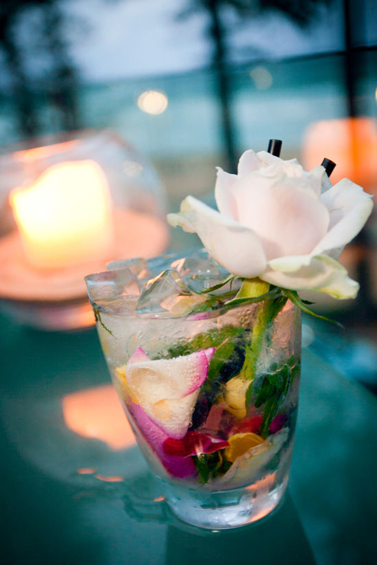 Gin_and _rose_cocktail