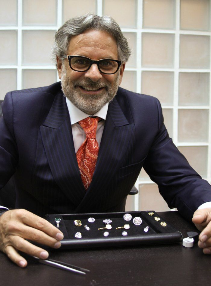 Nissan Perla CEO of Diamond Registry with loose whole sale diamonds