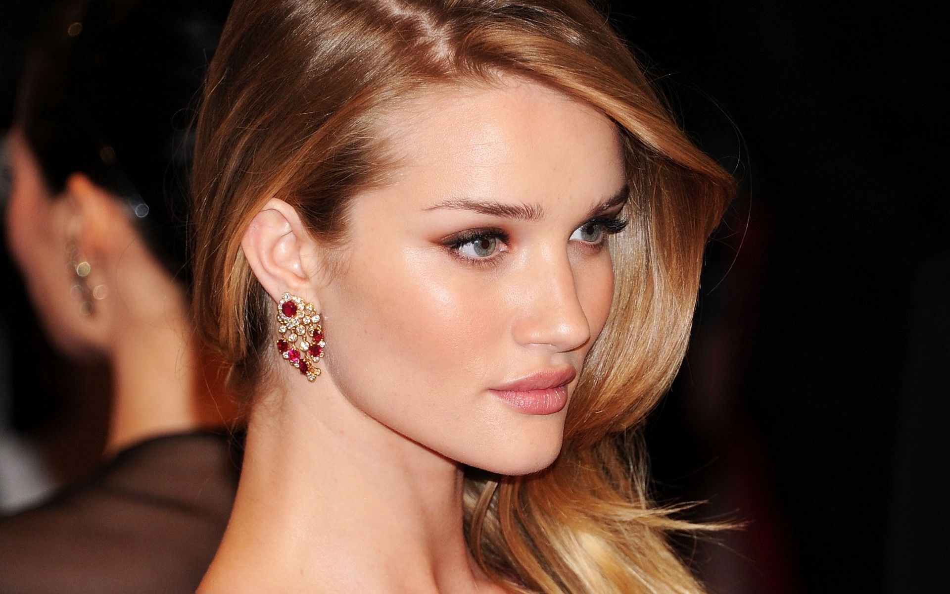 Rosie Huntington-Whiteley New Face Of ModelCo - Breakfast ... Rosie Huntington Whiteley Makeup