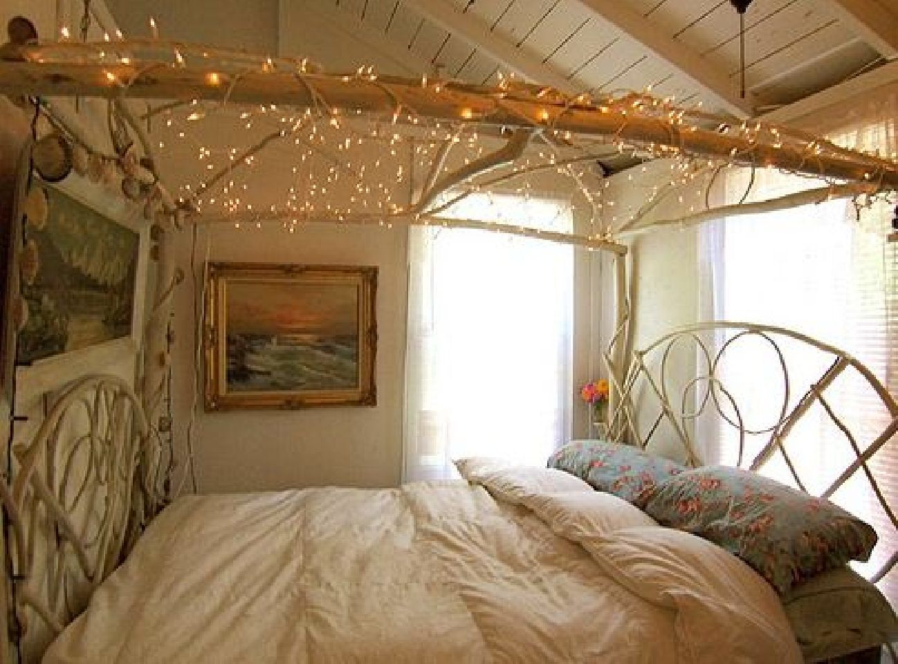 Canopy bed with lights - Related