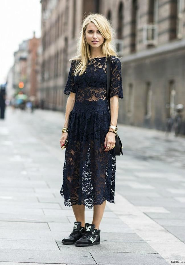 how to wear lace in winter