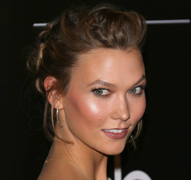 karlie-kloss-highlighter-beauty