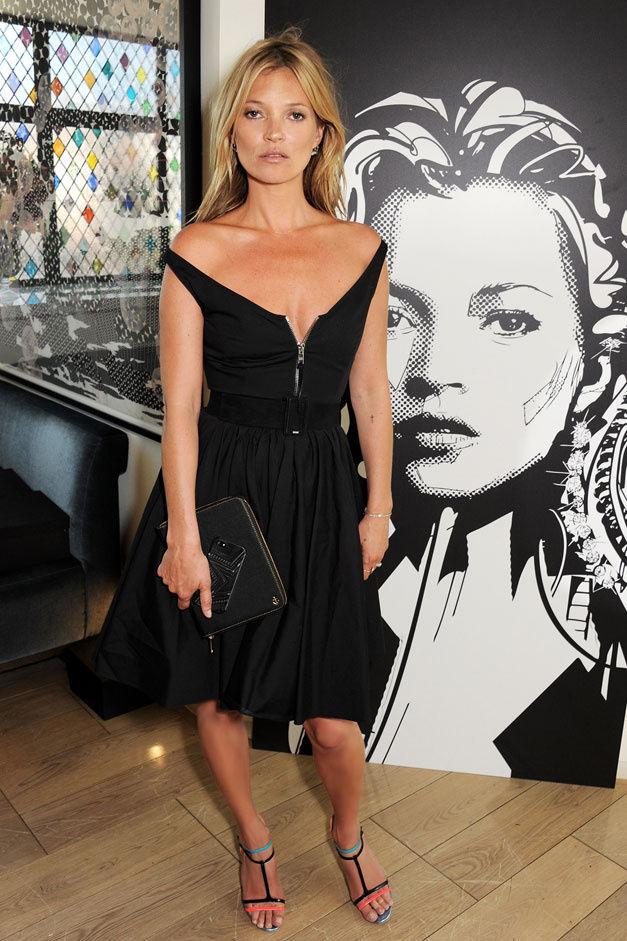 la-modella-mafia-Kate-Moss-2013-red-carpet-look-in-a-black-Prada-dress