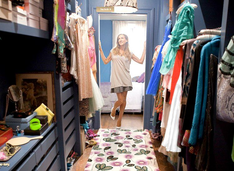 look inside carrie bradshaw's wardrobe