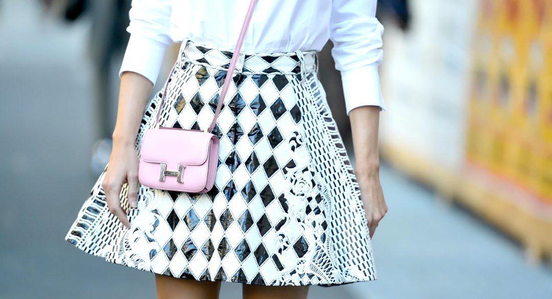 mini handbag street style