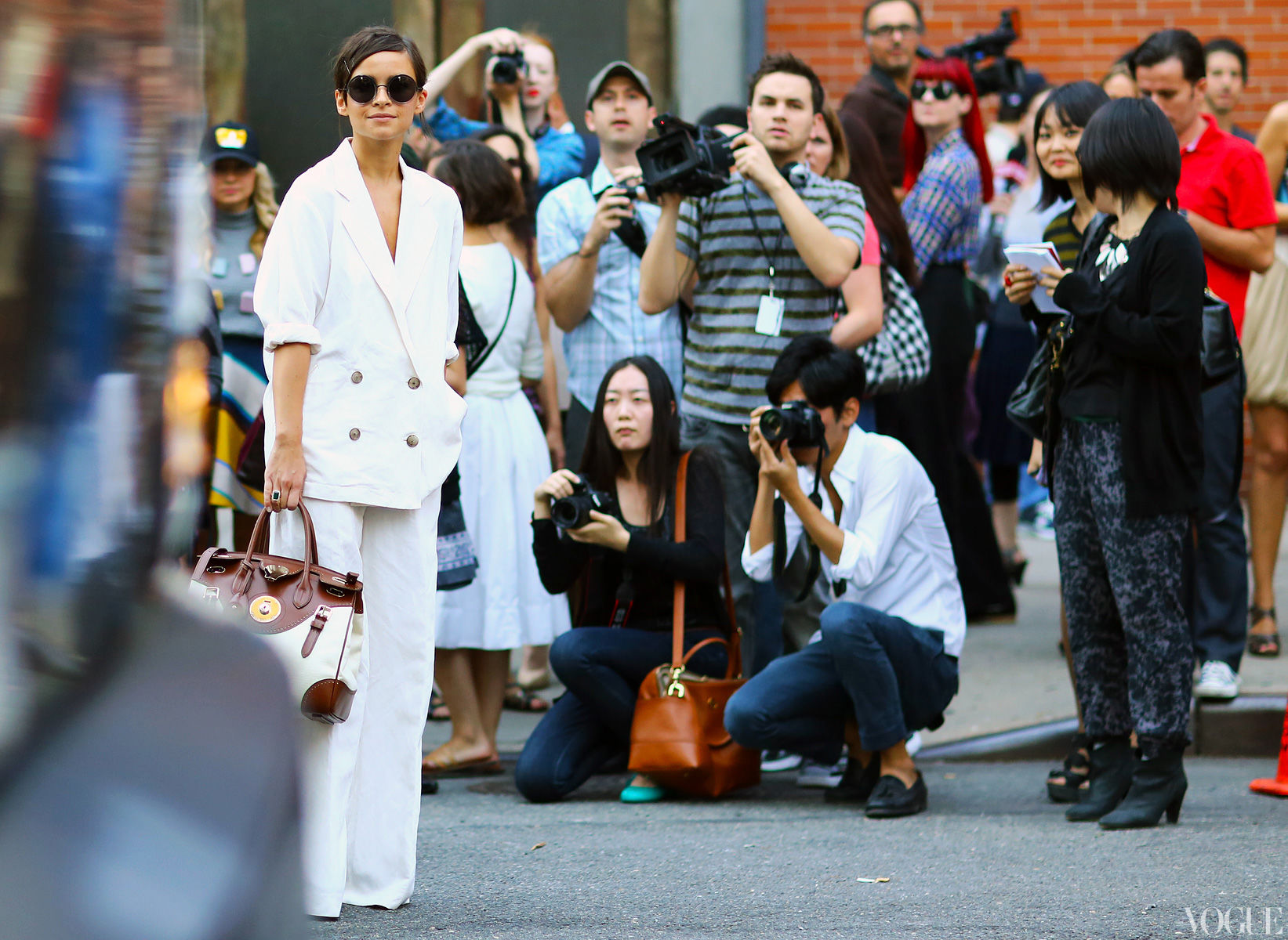 miroslava-duma-white-suit-ralph-lauren-bag-new-york-fashion-week-spring-2013-street-style (1)