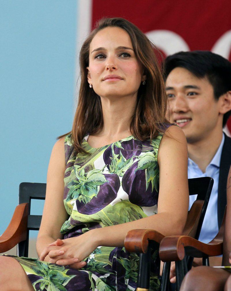natalie-portman-class-day-exercises-at-harvard-univeristy-in-cambridge-may-2015_3