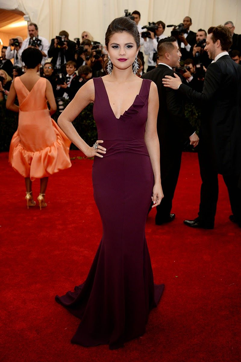 outfit-ideas-what-to-wear-to-a-black-tie-wedding-selena-gomez