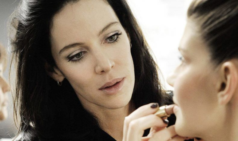rae-morris-makeup-masterclass-