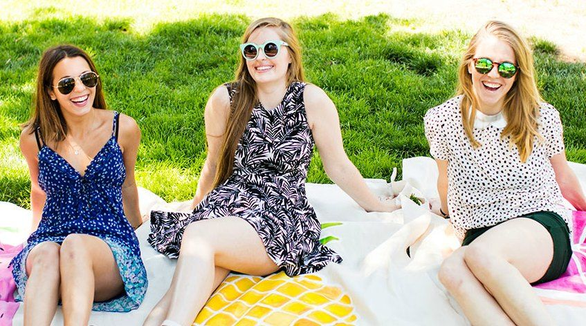 relaxed racing girls picnic