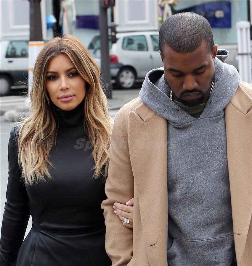 Kanye West and Kim Kardashian have lunch at restaurant l'avenue in Paris