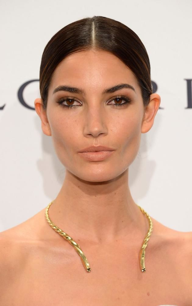 Supermodel Lily Aldridge recently braved the natural no-makeup makeup look and still looked gorgeous as ever – the perfect example of bare-faced summer beauty. Click through the gallery for all the tips, tricks, and product recommendations you need to recreate the natural barely-there look.