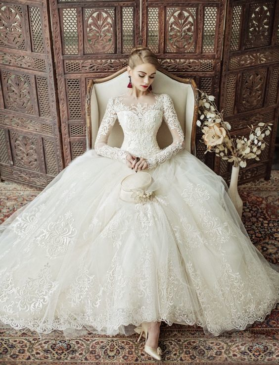 WEDDING INSPIRATION: 20 of the most beautiful wedding dresses from Pinterest