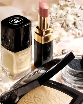 Why You Need To Clean Out Your Beauty Drawer, Now.