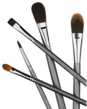 Beauty How-To: Essential Makeup Brushes